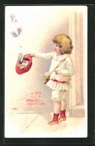 Lithographie kleiner Briefträger fängt Ansichtskarten mit Mütrze auf