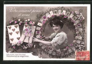 AK Portrait einer jungen Dame, Kartenspiel