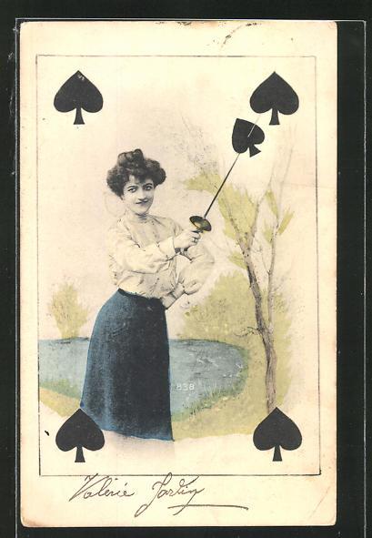 AK Kartenspiel, Dame spiesst das Pik-Symbol mit dem Degen auf