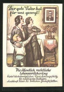 AK Mutter und Kinder betrachten das Bild des verstorbenen Ehemannes u. Vaters, Reklame für Lebensversicherung