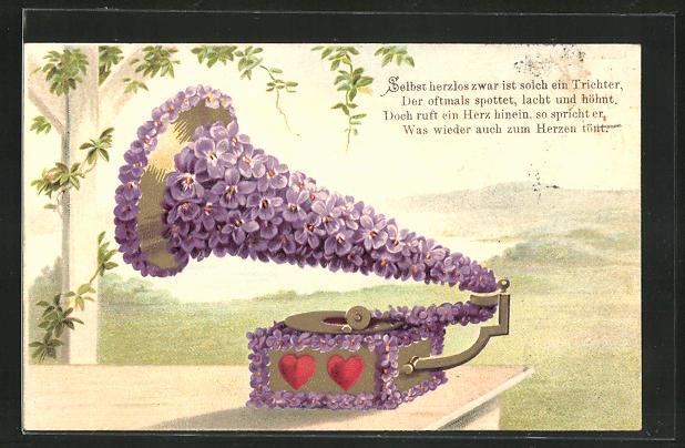AK Blumengeschmücktes Grammophon mit zwei Herzen unter freiem Himmel