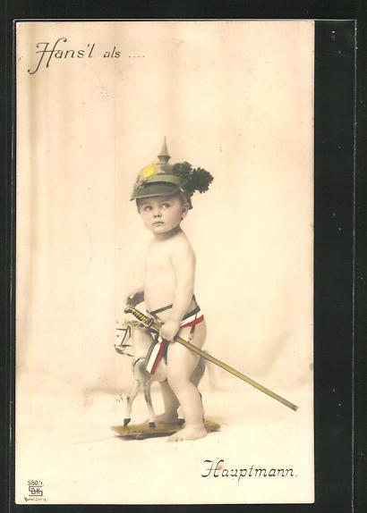 AK Hans`l als Hauptmann, Junge mit Spielzeugpferd und Pickelhaube