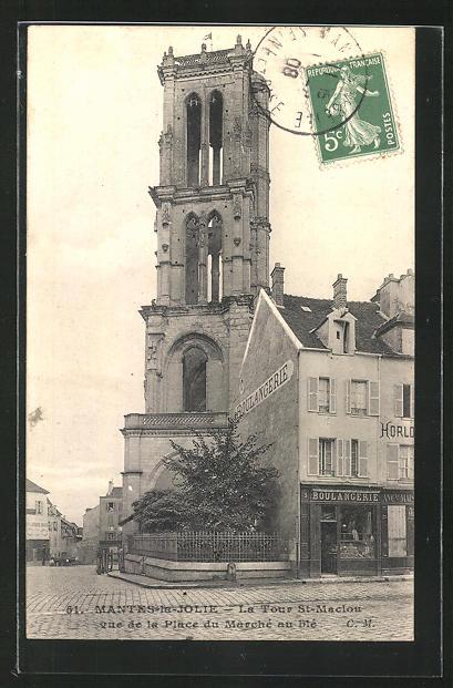 AK Mantes-la-Jolie, La Tour St-Maclou vue de la Place du Marché au blé