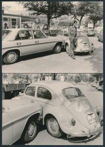 2 Fotografien Auto Mercedes Benz & VW Käfer, Verkehrsunfall neben Esso-Tankstelle in Berlin