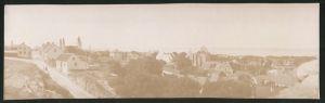 Fotografie Fotograf unbekannt, Ansicht Wisby / Schweden, Panorama der Ortschaft mit Kirchenruine, Grossformat 27 x 8cm