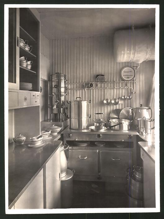 Fotografie Luftschiff Graf Zeppelin LZ-127, Blick in die Bordküche
