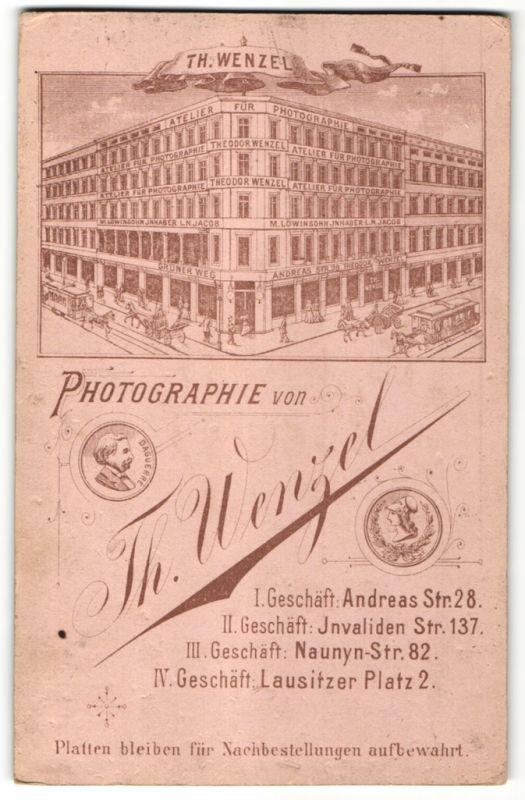 Fotografie Th. Wenzel, Berlin, rückseitige Ansicht Berlin, Atelier Andreas-Str. 28, vorderseitig Portrait drei Männer