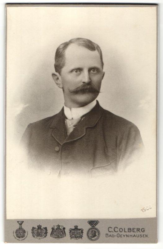 Fotografie C. Colberg, Bad-Oeynhausen, Portrait Herr mit Oberlippenbart