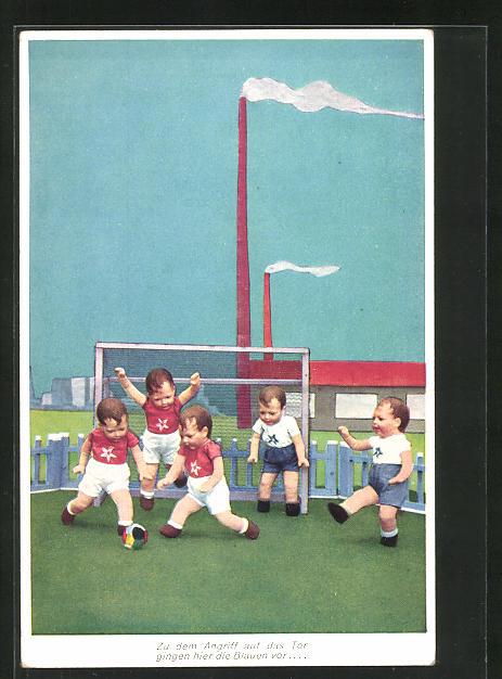 AK Käthe Kruse-Puppen beim Fussballspiel