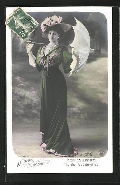 AK Les Reines de la Mode, Melle Wilford, Th. du Vaudeville