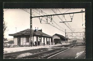 AK Bretoncelles, La Gare, Bahnhof mit Bahnsteig