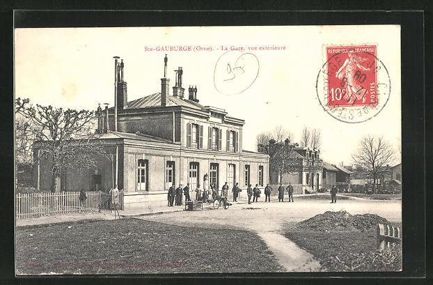 AK Ste-Gauburge, La Gare, vue exterieure, Bahnhof