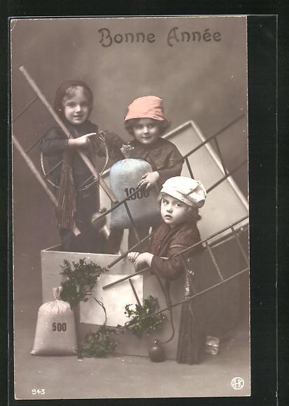 AK Drei kleine Schornsteinfeger mit Geldsäcken in einer Schachtel