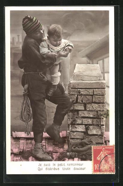 AK Je suis le petit ramonneur..., Schornsteinfeger mit Baby auf dem Dach 0