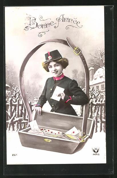 AK Neujahr, Briefträgerin mit übergrosser Postkiste, Uniform 0