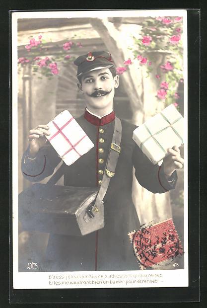 AK Postbote, Briefträger mit Paketen in der Hand, Pakettsche, Uniform 0