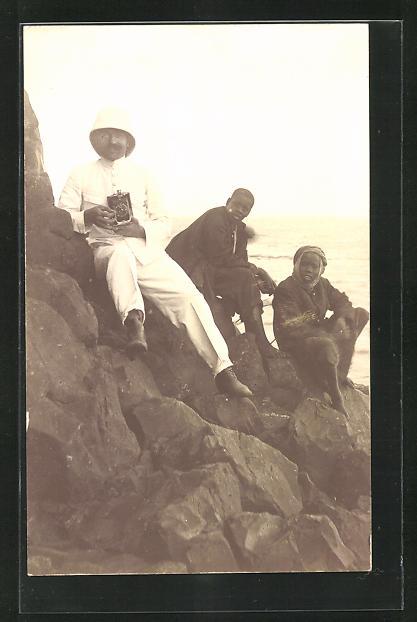 AK Fotoapparat, Kolonist mit Kamera und Ureinwohnern