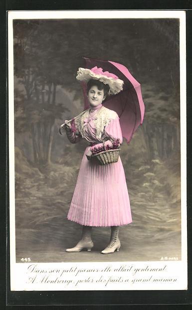 AK Frau mit Schirm, Körbchen, rosa Kleid