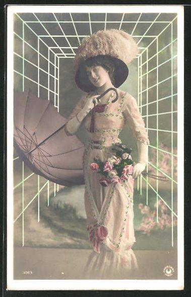 AK Frau mit Schirm, Blumestrauss, Puschelhut 0