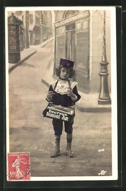 AK Kleiner Briefträger mit Tasche Heureux Nouvel An 0