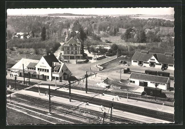 AK Maintenon, La nouvelle gare et L`Hotel de l`Aqueduc, Bahnhof und Hotel