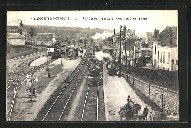AK Nogent-le-Rotrou, Vue Generale de la Gare, Arrivee du Train de Paris 0