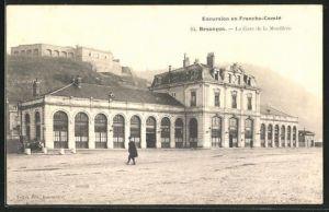 AK Besancon, La Gare de la Mouillère, Partie am Bahnhof
