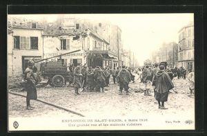 AK Saint Denis, Une grande rue et les maisons voisines 1916, Explosion