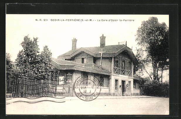AK Ozoir-la-Ferrière, La Gare d` Ozoir la-Ferrière
