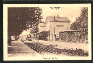 AK Nemours, La Gare, Bahnhof mit Eisenbahn