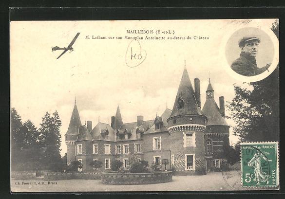 AK Maillebois, M. Latham sur son Monoplan Antoinette au-dessus du Chateau