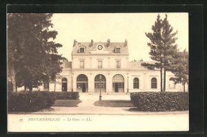 AK Fonteinebleau, La Gare, Ansicht vom Bahnhof