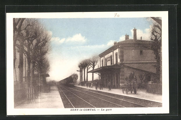AK Sury-le-Comtal, La Gare, Bahnhof mit einfahrendem Zug