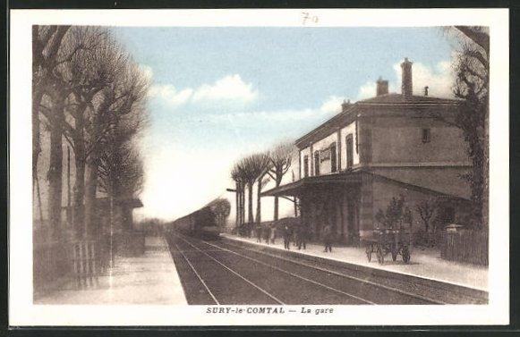 AK Sury-le-Comtal, La Gare, Bahnhof mit Bahnsteig