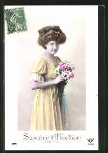 AK Junges Mädchen im tollen Kleid mit Blumenstrauss