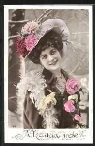 AK Affectueux present, hübsche Dame mit Hut
