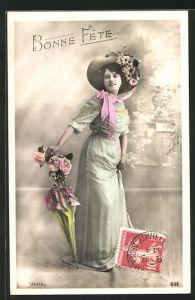 AK Schöne junge Frau mit Hut und Schirm