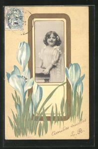 Präge-AK Mädchenportrait im Passepartoutrahmen im Jugendstil