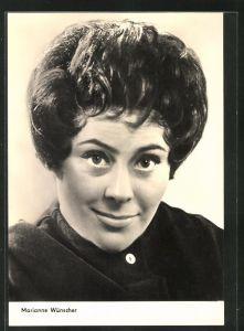 AK Schauspielerin Marianne Wünscher im schwarzen Pullover