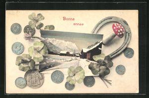 AK Geldmünzen, Hufeisen, Klee und Pilz umrahmen eine Winterlandschaft, Bonne année