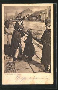 AK Pinsk, Mann handelt mit einem Kind, Passanten auf der Strasse