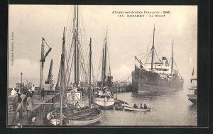 AK Konakry, Le Wharf, Hafen mit Dampfer und Segelbooten