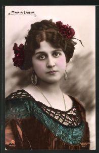 AK Opernsängerin Maria Labia ernst blickend