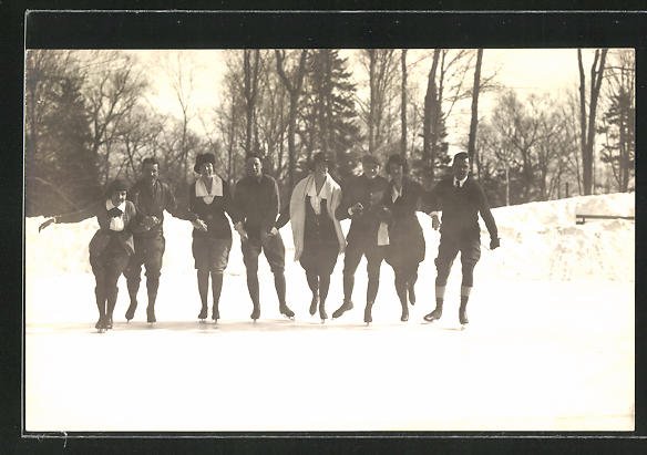 AK Männer & Frauen beim Schlittschuh laufen