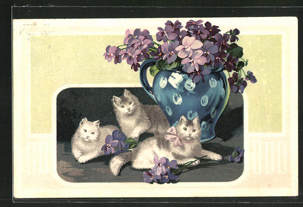 Präge-AK Drei Katzen an einer Vase mit Veilchen