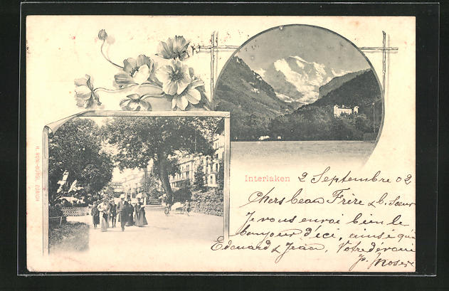 AK Interlaken, Gebirgspanorama, Passanten im Ort