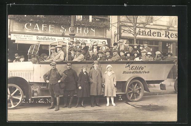 AK Berlin, Bus der Elite Rundfahrten Unter den Linden vor Cafe Schön