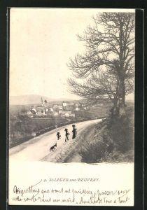 AK St-Leger-sous-Beuvray, Blick von einer Strasse auf die Ortschaft