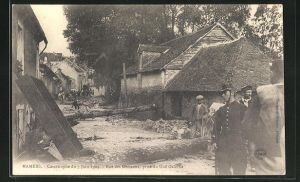 AK Mamers, Catastrophe 1904, Rue des Ormeaux, prise du Gue Galerne