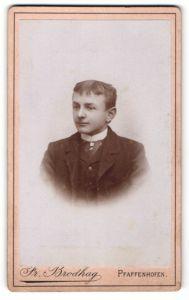 Fotografie Fr. Brodhag, Pfaffenhofen, Portrait junger Herr in Anzug